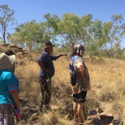 Wardaman elder Yidumduma Bill Harney showing women the country